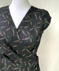 Ava Overslag jurk papegaaien